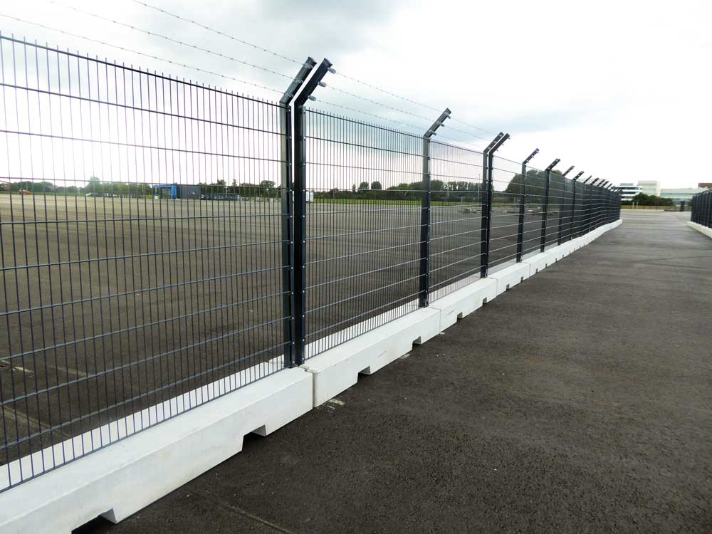 Our mobile fence system was needed here for an external warehouse